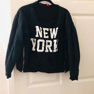 🆕 H&M Cropped New York Sweatshirt
